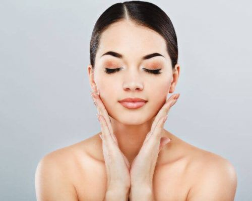 Here to offer a non-surgical face lift in Southampton.